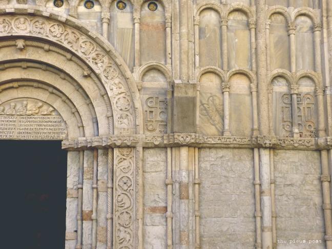 ancona door santa maria church